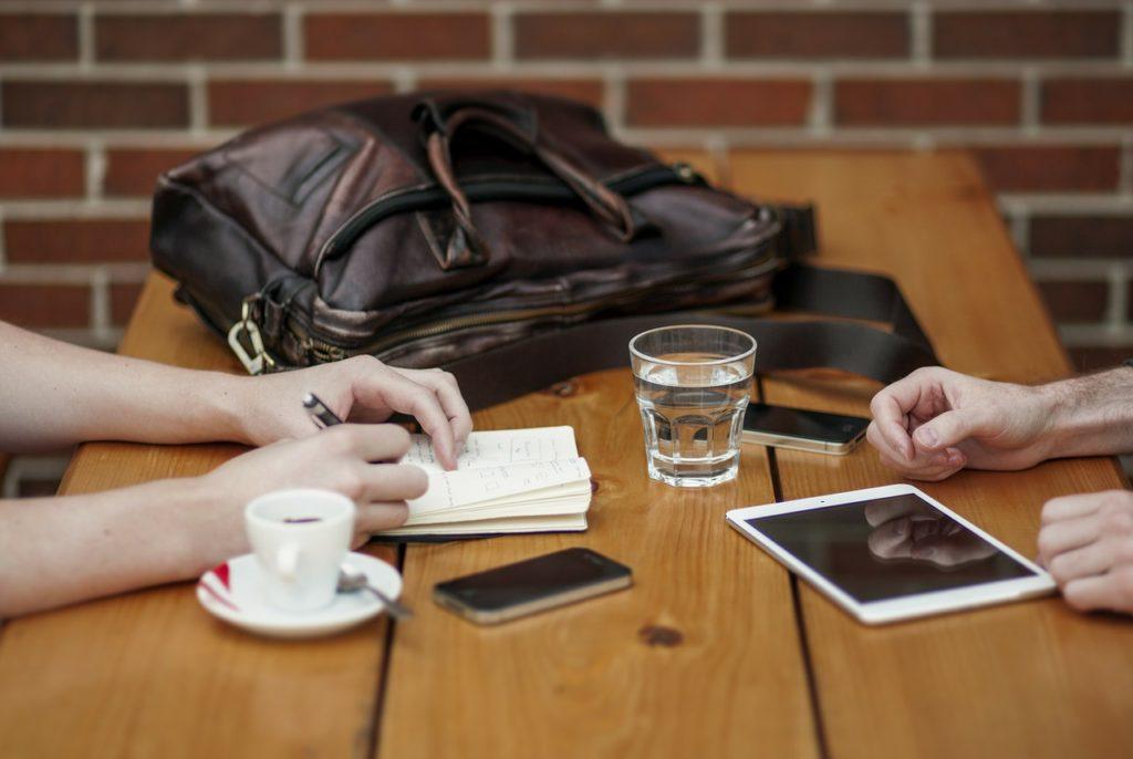 współpraca, obraz ilustrujący otwartość na współpracę